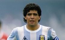 NÓNG: Danh thủ Diego Maradona đột ngột qua đời ở tuổi 60