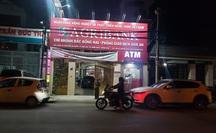 """Truy bắt kẻ bịt mặt, cầm hung khí xông vào ngân hàng ở Đồng Nai hô to """"lựu đạn đây"""""""