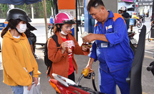 """Xăng dầu đồng loạt tăng giá dù chi """"đậm"""" quỹ bình ổn"""