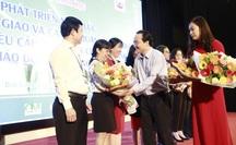 """Bộ trưởng Phùng Xuân Nhạ: Phải rút kinh nghiệm """"sạn"""" trong sách giáo khoa lớp 1"""