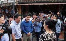 """Dạo Hội An, Chủ tịch Quảng Nam nói với khách: """"Quảng Nam - điểm đến an toàn"""""""