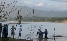 Quảng Nam: Lật thuyền chở 10 người trên sông Vu Gia, 6 người mất tích
