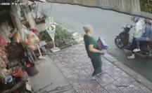 CLIP: Đôi nam nữ cướp thùng bia của cụ bà gây bức xúc