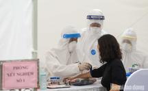 """Phát hiện 3 mẫu test nhanh có kháng thể virus tại trạm xét nghiệm gần """"ổ dịch"""" Bệnh viện Bạch Mai"""
