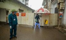 CLIP: Cận cảnh cách ly cả thôn hơn 1.400 người do 1 bệnh nhân Covid-19