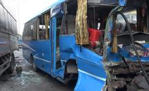 [CLIP] - 6 ôtô tông liên hoàn ở cửa ngõ phía Tây TP HCM, nhiều người kêu cứu