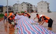 Trung Quốc căng mình chống lũ lịch sử