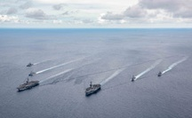 """Trung Quốc yêu cầu binh sĩ """"kiềm chế"""" với Mỹ trên biển Đông"""