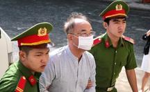 Hình ảnh ông Nguyễn Thành Tài và đồng phạm sáng sớm 20-9, chuẩn bị tuyên án