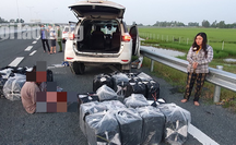 Truy bắt 2 vợ chồng bỏ ôtô biển số giả trên đường cao tốc để chạy thoát thân
