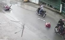 Ớn lạnh cảnh người phụ nữ bị cướp kéo lê trên đường ở TP HCM