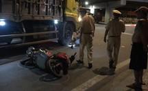 TP HCM: Xe tải cán qua người, một người đàn ông nguy kịch trong đêm