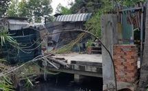 Cháy nhà ở quận Bình Tân, một người ngã quỵ khi chạy đi nhờ trợ giúp