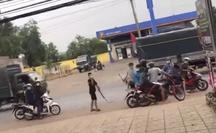 Đồng Nai: Lạnh gáy 2 nữ sinh kéo hàng chục thanh thiếu niên đi hỗn chiến