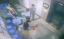 Người phụ nữ không đeo khẩu trang, ẩu đả với bảo vệ bị mời lên phường làm việc