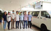 Đoàn bác sĩ Bệnh viện Chợ Rẫy lên đường sang Lào hỗ trợ chống dịch