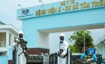 CLIP: 4 xe binh chủng hoá học phun khử khuẩn toàn bộ Bệnh viện K