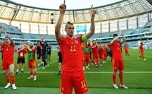 """Gareth Bale """"tịt ngòi"""", Xứ Wales hòa may mắn trước Thụy Sĩ"""