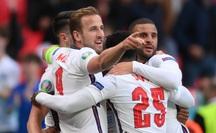Raheem Sterling tỏa sáng, tuyển Anh bất bại vào vòng 1/8 Euro 2020