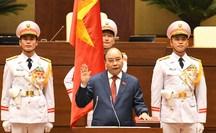 CLIP: Chủ tịch nước Nguyễn Xuân Phúc tuyên thệ nhậm chức