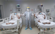 """Bé trai chào đời ở phòng hồi sức Covid-19, 2 ca bệnh """"nổi tiếng"""" xuất viện"""