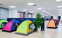 Nhiều ngân hàng ở TP HCM cho nhân viên ăn ngủ, làm việc tại văn phòng