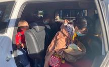 Bé trai 9 ngày tuổi cùng cha mẹ vượt hàng ngàn km từ Bình Dương về Nghệ An bằng xe máy