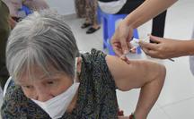 Năm 2021, TP HCM có khoảng 13,8 triệu liều vắc-xin Covid-19, phủ 99% đối tượng