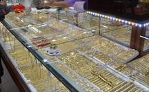 Giá vàng hôm nay 19-9: Vàng SJC bất ngờ tăng mạnh