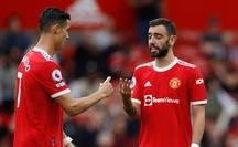 Vì sao Bruno Fernandes sút hỏng penalty trong trận Man United thua Aston Villa?