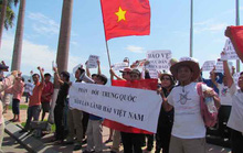 Miền Trung hừng hực khí thế phản đối Trung Quốc