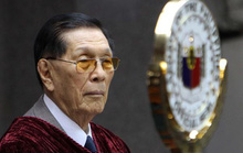 Thượng nghị sĩ Philippines 90 tuổi bị bắt vì tham nhũng