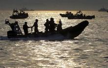 Vụ chìm tàu Hàn Quốc: Tìm thấy thi thể nam sinh cầu cứu đầu tiên