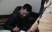 CSGT bắt kẻ cướp iPhone trong túi người phụ nữ trên phố