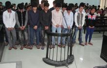 Đi trả thù, 14 thanh niên chém chết người vô can