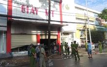 Vụ cháy tiệm giày, 3 người chết: Do bóng đèn chập điện?