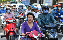 Chính phủ nhất trí đề xuất tạm dừng thu phí đường bộ xe máy