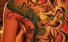 """Trào lưu chơi """"Body painting"""": Nghệ thuật đích thực?"""