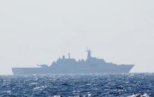 Tầu chiến Trung Quốc tắt đèn, thả trôi ban đêm quanh giàn khoan 981