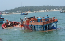 Tàu cá Lý Sơn bị tàu lạ đâm chìm, 2 ngư dân gặp nạn