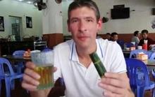 """Tân Đại sứ Anh """"khoái khẩu"""" món bia hơi - nem chua Hà Nội"""
