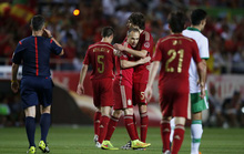 Torres lại nổ súng, Tây Ban Nha đánh bại Bolivia