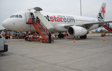 Máy bay Jetstar Pacific báo khói khi sắp cất cánh từ TP HCM đi Hà Nội