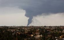 Lửa nhấn chìm cơ sở nhiên liệu lớn nhất Libya