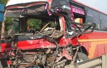 Xe khách đấu đầu xe tải, 20 người nhập viện cấp cứu