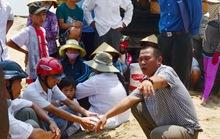 Dân tố nhà thầu khai thác cát chùa
