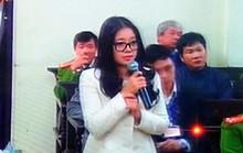 Vợ bầu Kiên bật khóc trước toà, chủ tọa động viên an ủi