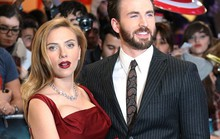 Scarlett Johansson diện đầm đỏ quyến rũ bên bạn diễn