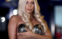"Lady Gaga khoe ""da thịt"" ở Hy Lạp"
