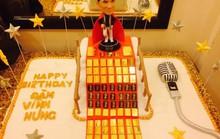 Đàm Vĩnh Hưng hé lộ về người tặng bánh sinh nhật dát vàng